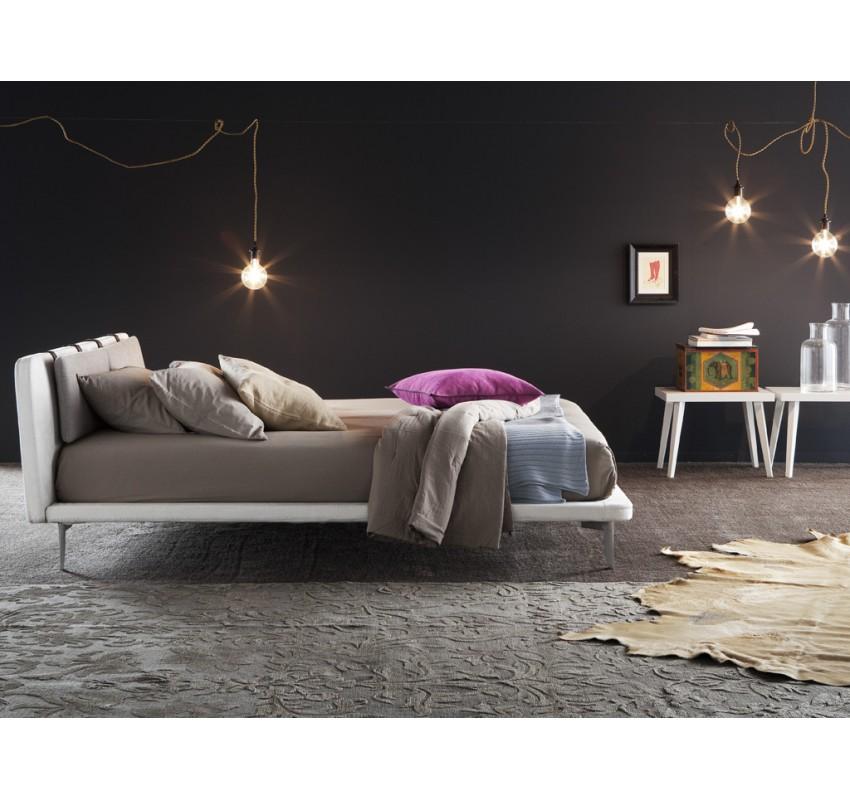 Кровать Kyros / Chaarme