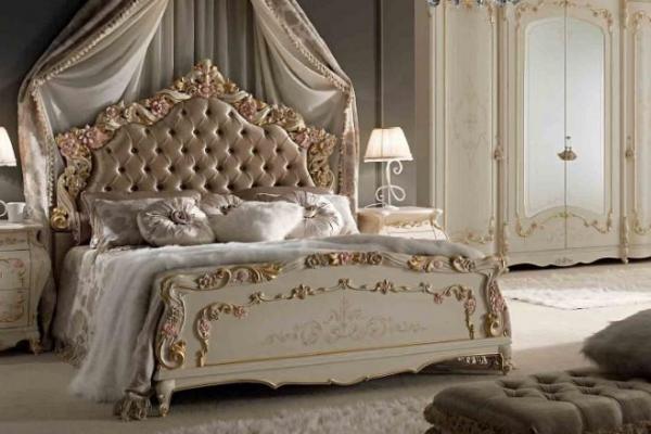 Роскошь итальянской классики: кровати